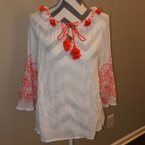 Crown & ivy size Medium blouse. From Belk (CUTE) !